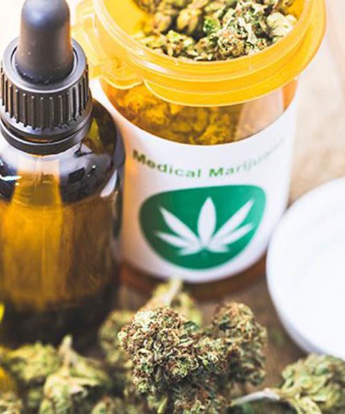 Kannabisszal fájdalmak, Parkinson-kór, PTSD és endometriózis ellen